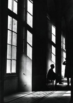 pompeii room guards photo by debra lisovsky