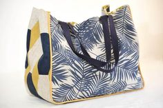 Patron sac Badami – sac de machine à coudre / sac cabas Diy Sac, Diy Bags Purses, Couture Sewing, Bag Patterns To Sew, Crochet Purses, Mode Inspiration, Bag Making, Bucket Bag, Pouch