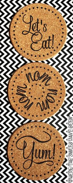 Learn how to make DIY burned IKEA cork trivets! Easily customize the inexpensive cork trivets from IKEA with any design using a basic wood burning tool! Wood Burning Tool, Wood Burning Crafts, Cork Crafts, Crafts To Sell, Selling Crafts, Easy Crafts, Ikea Cork, Cork Trivet, Cork Coasters