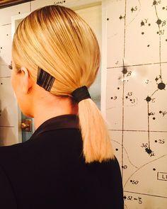 Khloe Kardashian's ponytai with bobby pins