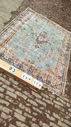 Vintage vloerkleed, lichtblauw 240cm x 170cm   Rozenkelim.nl - Groot assortiment kelim tapijten