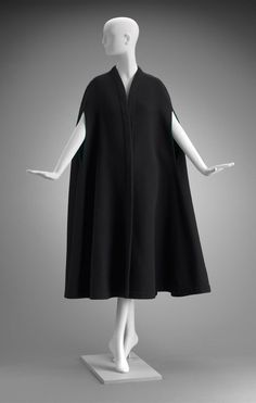 1960s-1970s, America - Woman's cape by Pauline Trigère - Wool