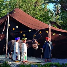 Créer un décor étoilé sous une tente orientale pour de petits Rois Mages / Tent with stars for the kids