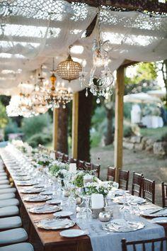 Romantic Italian #wedding dinner   Chandeliers: Italia Celebrations - italia-celebrations.com   Photography: Lelia Scarfiotti - leliascarfiotti.com  Read More: http://www.stylemepretty.com/little-black-book-blog/2014/05/09/romantic-al-fresco-umbria-wedding/