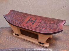 """Banco tradicional cubeo o """"pensador"""" tallado en una sola pieza de madera. ( Vaupés- Colombia) #Artesanias Cómpralo en Mambe.org!"""