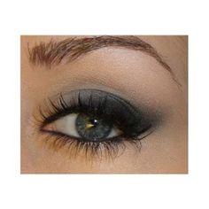 Soft cat eye makeup