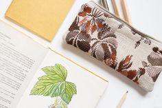 silvART / Kvetovaný (tkaný) II. Bags, Fashion, Handbags, Moda, Fashion Styles, Fashion Illustrations, Bag, Totes, Hand Bags
