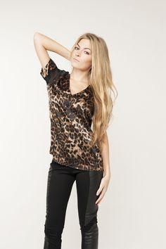 Леопардовая блузка с прозрачными вставками на плечах Kimberly Taylor