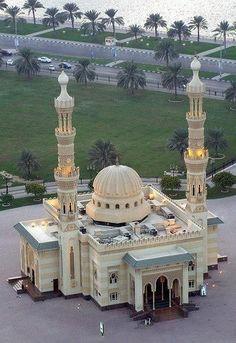 Al Majaz Park Mosque, Sharjah, United Arab Emirate Architecture Design, Mosque Architecture, Indian Architecture, Religious Architecture, Sharjah, Beautiful Mosques, Beautiful Buildings, Beautiful Places, Dubai