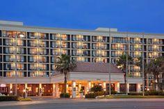 Holiday Inn Galveston-On The Beach (***)  EDOARDO RICCARDO RAUTTI has just reviewed the hotel Holiday Inn Galveston-On The Beach in Galveston - United States of America #Hotel #Galveston  http://www.cooneelee.com/en/hotel/United-States-of-America/Galveston/Holiday-Inn-Resort-Galveston---On-The-Beach/1552990