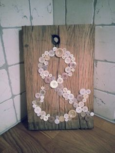 Oud hout + knopen + lijmpistool ♡♡