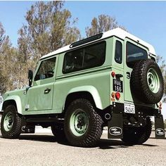 TAG A FRIENDCONGRATS @ali_yk YOUR PIC WAS SELECTED! Defender 90 #defender #landroverdefender #defender90 #defender110 #defender130 #landroverseries