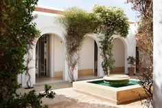 Courtyard - An elegant house combining English country house style with traditional Moroccan elements - real homes on HOUSE by House & Garden.