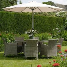 Bramblecrest Cotswold 6 Seat Oval Rattan Dining Set
