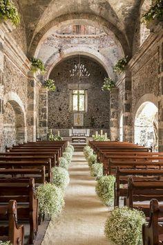 Church Wedding Flowers, Chapel Wedding, Wedding Bouquets, Wedding Altars, Wedding Aisle Decorations, Decor Wedding, Rustic Wedding, Wedding Ideas, Perfect Wedding