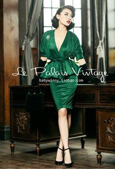 New Ideas vintage clothes women dresses classy glamour Vintage Fashion 1950s, Vintage Dresses 50s, 50s Dresses, Retro Fashion, Vintage Outfits, Casual Dresses, Fashion Dresses, Wedding Dresses, Womens Fashion