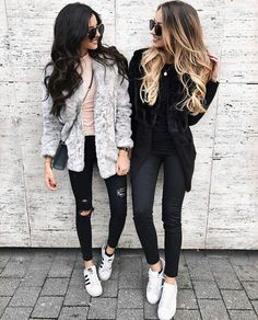 Best friends paris goals #girls #bff Pinterest: @iamroosevelt