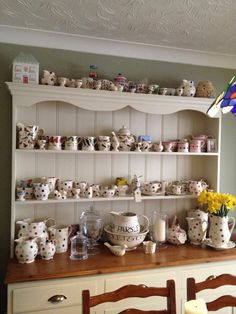 Jo's gorgeous new dresser with her lovely Emma Bridgewater collection