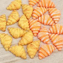 Flatback+croissant+cabochons+in+two+styles  Quantity:+4+pcs+(2+pcs+per+style)