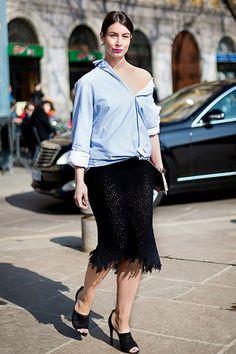 Dicas de moda com camisa mostrando ombro