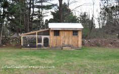 Life At Cobble Hill Farm: Chicken Coop 101: Thirteen Lessons We've Learned.  Very very insightful!