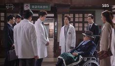 Romantic Doctor Teacher Kim: Episode 9 » Dramabeans Korean drama recaps Moral Responsibility, Romantic Doctor, Korean Dramas, Drama Movies, Beautiful Day, Kdrama, Teacher, Medical, Asian