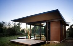 This is a writer's cabin. That someone can buy me. This modern cabin by Olson Kundig Architects is open to nature with glass walls on three sides. It has 500 sq ft of studio living space. Modern Contemporary Homes, Small Modern Home, Modern Tiny House, Modern House Plans, Tiny House Design, Modern House Design, Architecture Romane, Architecture Baroque, House Architecture