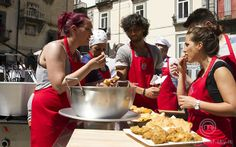 La squadra rossa assaggia i fritti dei fratelli Acunzo