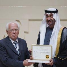 José Goldemberg é premiado nos Emirados Árabes