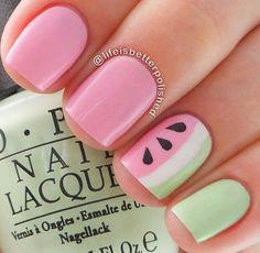 So cute summer nails!