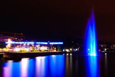 Horgen train station and fountain  #horgen #schweiz #switzerland #horgenstation #zürichsee #lakezurich #nightphotography #nachtfotografie #photography #fotografie