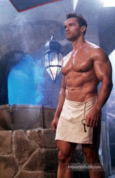A gallery of Red Heat publicity stills and other photos. Featuring Arnold Schwarzenegger, James Belushi, Arnold Schwarzenegger, James Belushi and others. Arnold Movies, Arnold Schwarzenegger Bodybuilding, Mr Olympia, Gym Body, Hottest Male Celebrities, Big Muscles, Shoulder Workout, Muscle Men, Sexy Men