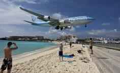 747 landing.  I would love to see this in person.