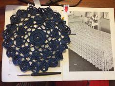 Haak-en-stekie: 'n Erfeniskombers / A Heritage Blanket Blankets, Crochet Necklace, Stitch, Summer, Home Decor, Full Stop, Summer Time, Decoration Home, Room Decor