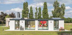 Bien plus que desimples toits, les abris de piscines sont de véritables atouts architecturaux, à condition de choisir un modèle adapté à ses besoins.