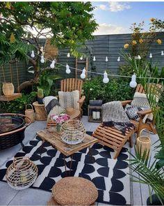 Bohemian garden and outdoor living ideas - Modern Terrazas Chill Out, Backyard Patio Designs, Patio Ideas, Cozy Backyard, Landscaping Ideas, Backyard Ideas, Small Patio Design, Backyard Hammock, Cozy Patio
