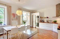 Skeppsholmen Fastighetsmäkleri Sotheby's International Realty - Balkonger & öppen spis