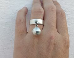 dangling ball sterling silver ring #jewelry #jewellery #sterlingsilverring #ring #sterlingsilver #dangleballring #hangingdanglingring #fashion #artistic