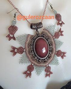Image may contain: jewelery - Jewelry 💍 Scarf Jewelry, Jewelry Necklaces, Macrame Necklace, Pendant Necklace, Best T Shirt Designs, Jewelry Holder, Jewelry Organization, Jewelery, Jewelry Accessories