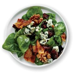 1505 Spinach Salad with Bacon, Walnuts, and Blue Cheese