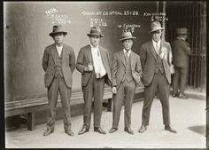 Australia, foto segnaletiche anni '20, quando lo stile è fuorilegge