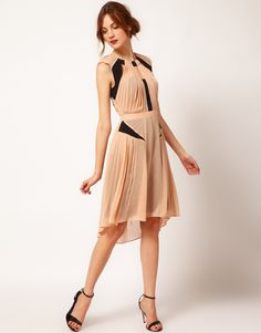 Buy Warehouse Panelled Pleat Dress at ASOS. With free delivery and return options (Ts&Cs apply), online shopping has never been so easy. Get the latest trends with ASOS now. Dresses To Wear To A Wedding, Bridesmaid Dresses, Maid Of Honour Dresses, Asos, Panel Dress, Costume, Latest Outfits, Fashion Plates, Dress Me Up