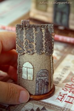 house Tutorial. I want to do this and make it look snowed on and use it for an ornament!