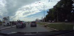 (VIDEO) Accident filmat în direct: ce a păţit o tânără care a traversat strada printr-un loc nepermis!