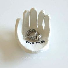 Hand Shaped Ring Dish for Zach father's day? Kids Crafts, Toddler Crafts, Crafts To Do, Projects For Kids, Craft Gifts, Diy Gifts, Gifts For Mom, Parent Gifts, Diy Cadeau