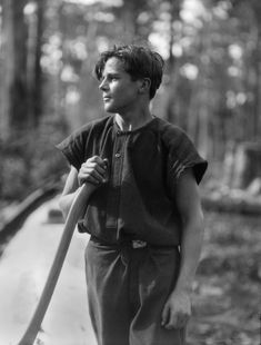Young axeman in Karri Forest, Western Australia, 1930 Documentary Photographers, Portrait Photographers, Portraits, London Pictures, Historical Pictures, Past Life, Travel Photographer, Vintage Pictures, Western Australia