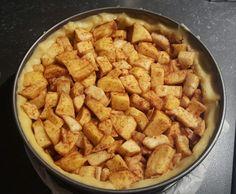 Appelkruimeltaart zonder pakjes en zakjes - RECEPT - Burgertrutjes Food N, Food And Drink, Gado Gado, Afternoon Tea, Sweet Potato, Creme, Nom Nom, Pie, Sweets