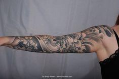 black_and_grey_japanese_sleeve_tattoo)