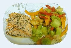 BIZZY BAKES: Citrus Salmon with Veggie Saute - Improv