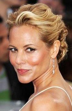 Maria Bello - American actress and singer, who has appeared in the movies Permanent Midnight Payback Coyote Ugly The Cooler A History of Violence Thank You for Smoking and The Jane Austen Book Club Summer Hairstyles, Wedding Hairstyles, Cool Hairstyles, Party Hairstyles, Hairdo Wedding, Bridal Updo, New York Beauty, Bridal Hair Inspiration, Beautiful Old Woman